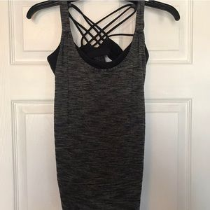 Charcoal/black lululemon tank.